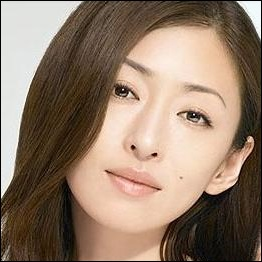 女優松雪泰子